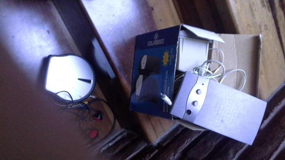 Vendo reproductor de CD, A REPARAR. Muy bien conservado