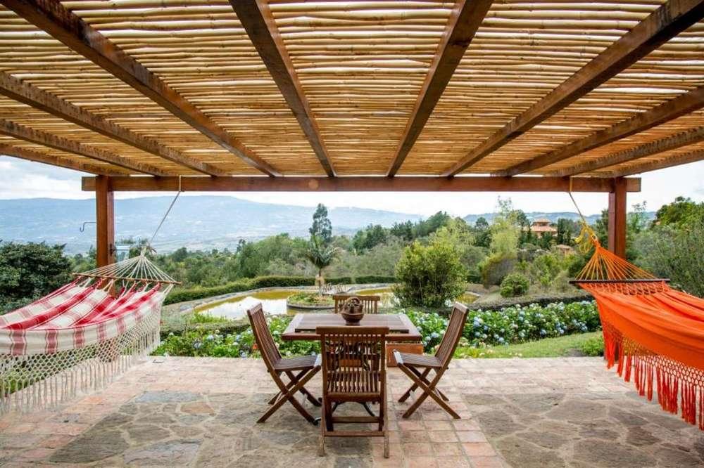 Casalote en Villa de Leyva amplio,tranquilo y seguro con vistas espectaculares. Amoblado y dotado