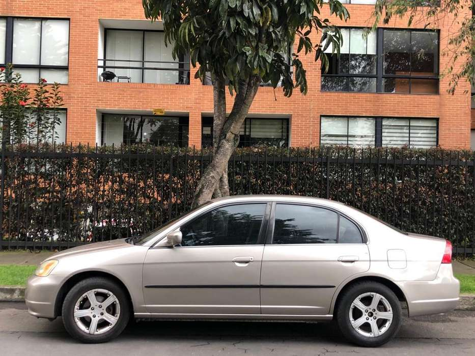 Honda Civic 2002 - 232000 km