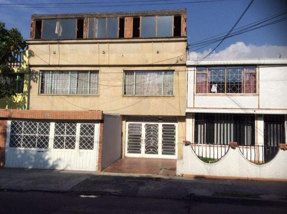 Venta Casa Apartamento de 3 Niveles Sector Las Américas Bogota