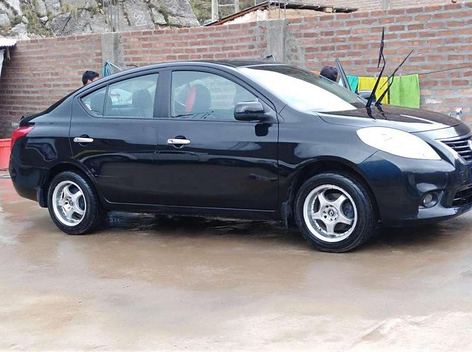 Nissan Versa 2013 - 62000 km