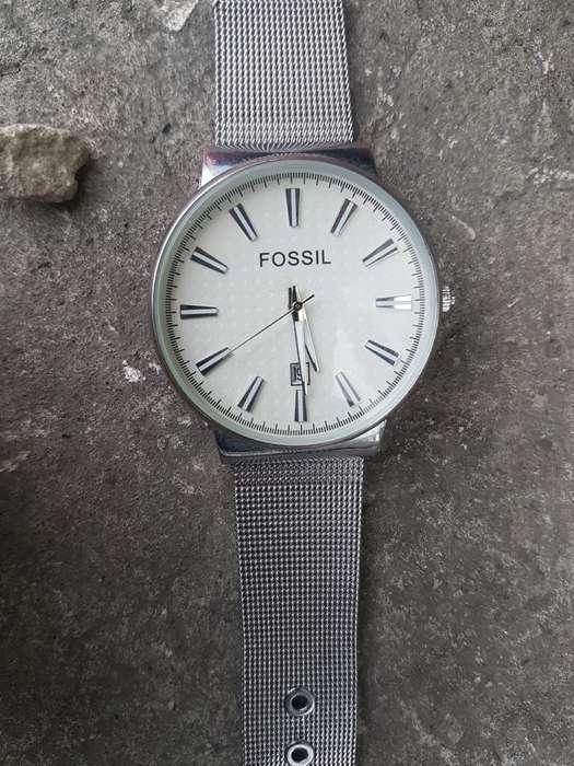 40b7863696b8 Reloj fossil  Ropa y Calzado en venta en Ecuador