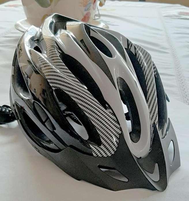 Casco bicicleta blanco con negro
