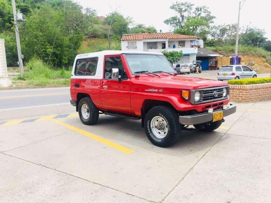 Toyota Land Cruiser 1993 - 301000 km