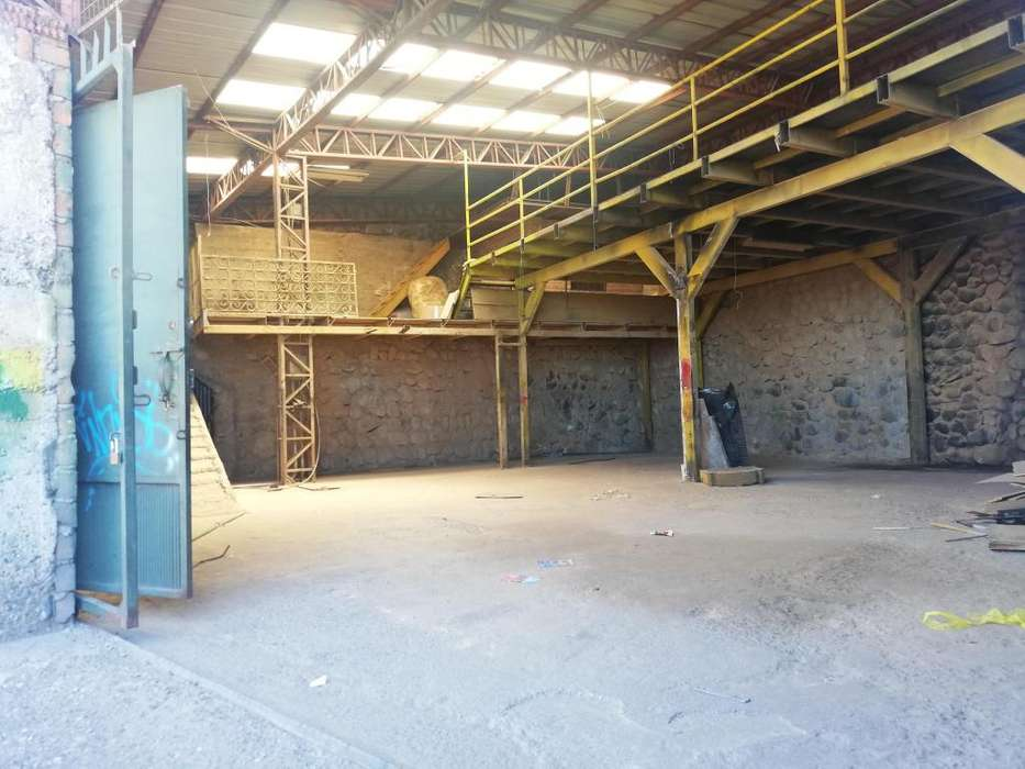 VENDO <strong>nave</strong> INDUSTRIAL DE 230 m2, SECTOR MILCHICHIG