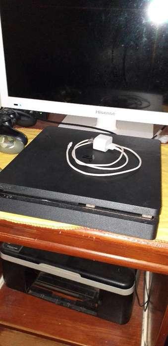 Vendo Playstation 4 con .2 Consolas Y 2