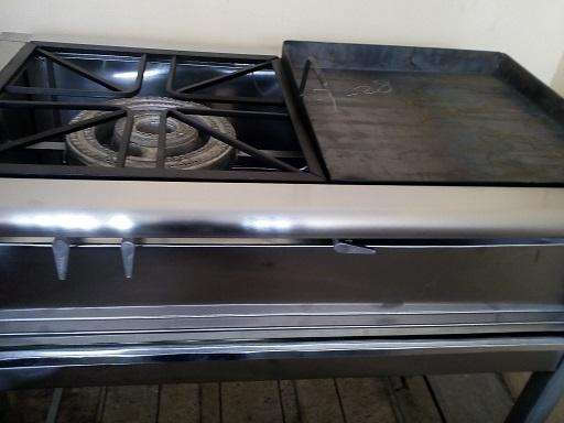 estufa industrial con plancha