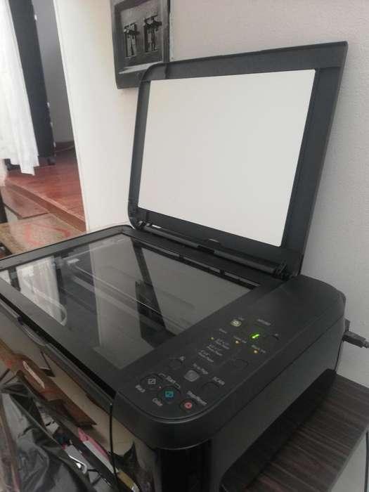 Se Vende Impresora en Exelente Estado