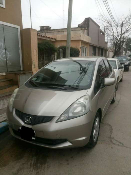 Honda Fit 2009 - 102000 km