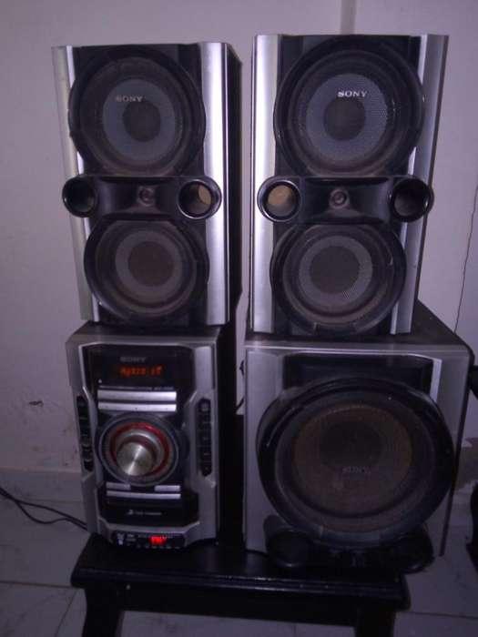 Se Vende Mini con Radio Am Fm Memoria Y