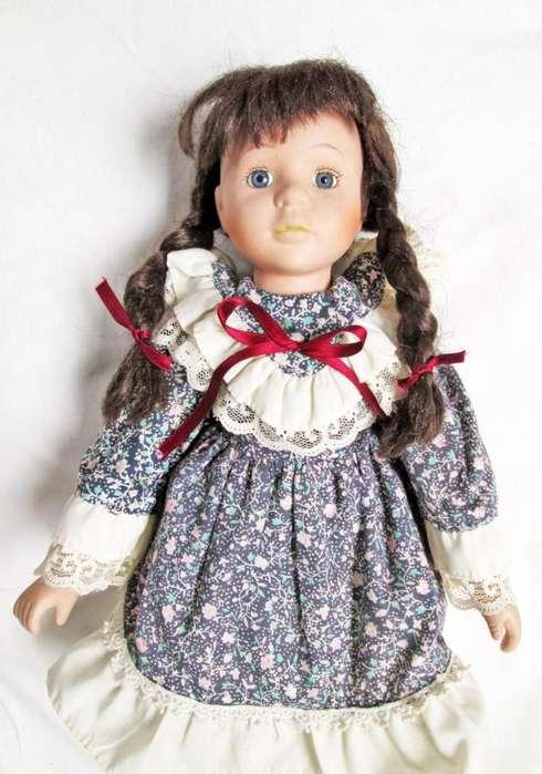 Muñeca Antigua En Porcelana De Colección
