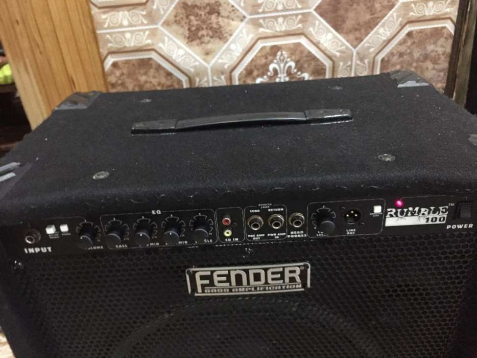 Fender Rumble 100Watts bajo Impecable