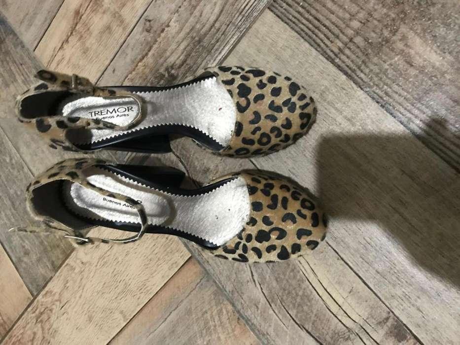 vendo botas de <strong>mujer</strong>