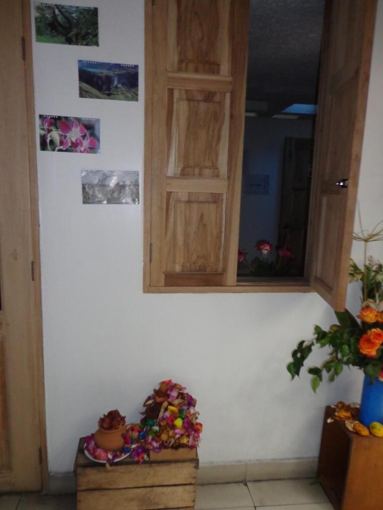 30 USD SEMANALES COMPARTIDA/INDIVIDUAL 45 SEMANAL/alquilo/rento/habitaciones/centro histórico de Quito/ HOSTAL ESCOCIE