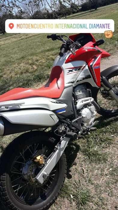 Vendo Xre 300 2014