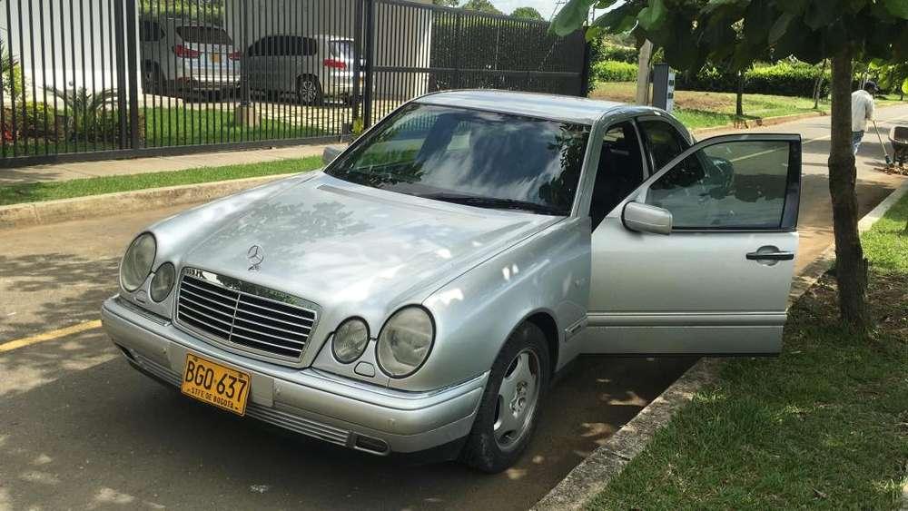 <strong>mercedes</strong>-Benz Clase E 1993 - 170000 km