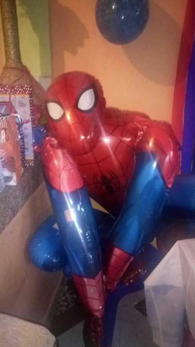 Globo:anagrama Spiderman y Batman, Gigantes?