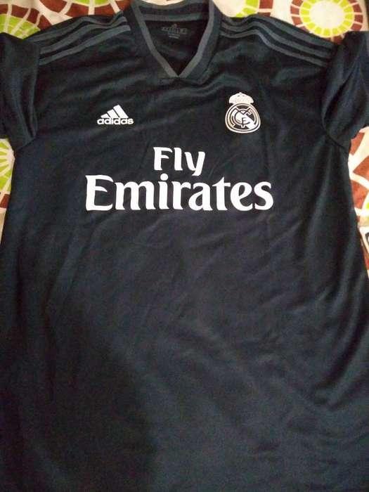 Vendo Camiseta Original Real Madrid M