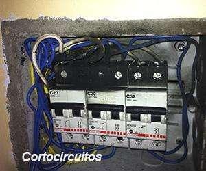 ¡URGENCIAS¡ ELECTRICISTA A DOMICILIO. TODO AREQUIPA C.969696433. CORTOCIRCUITOS, FUGAS ELECTRICAS,DUCHAS.INSTALACIONES