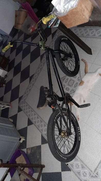 Bicicleta Bmx Marca Specialized