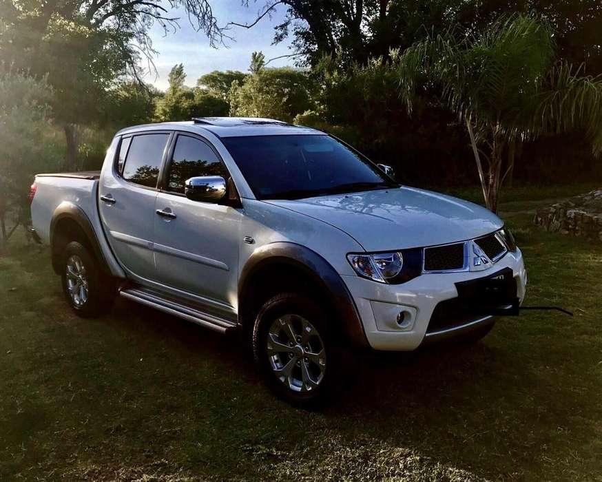 Mitsubishi Otro 2015 - 40000 km