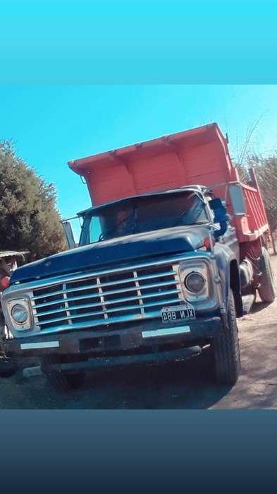 Camion Ford 7000 Volcador