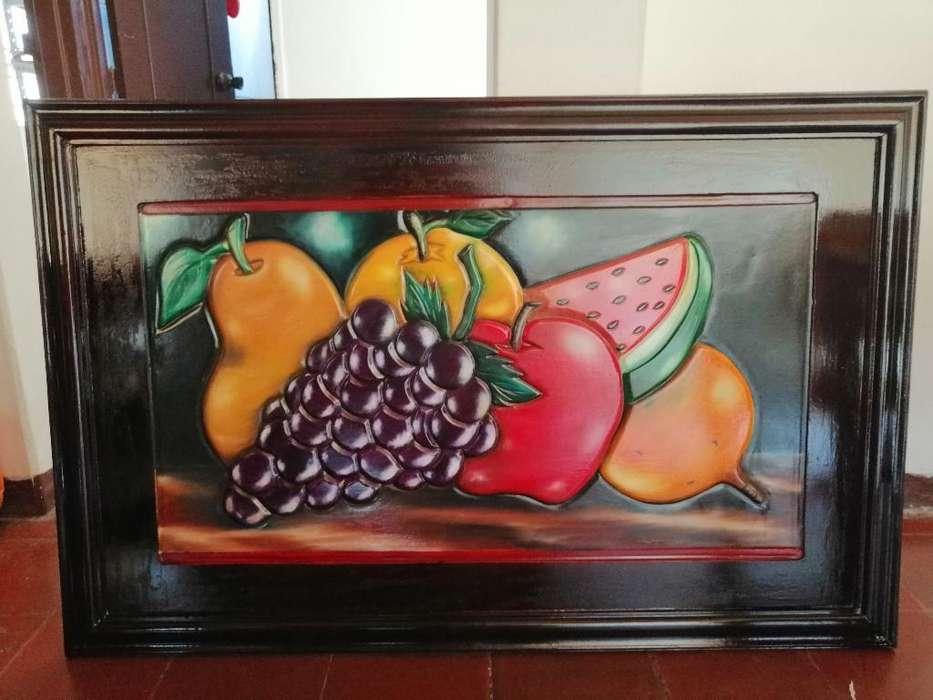 Cuadro Frutal en Madera Amarilla