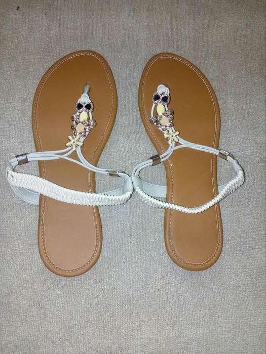 Vendo Sandalias Muy Bonitas para Damas