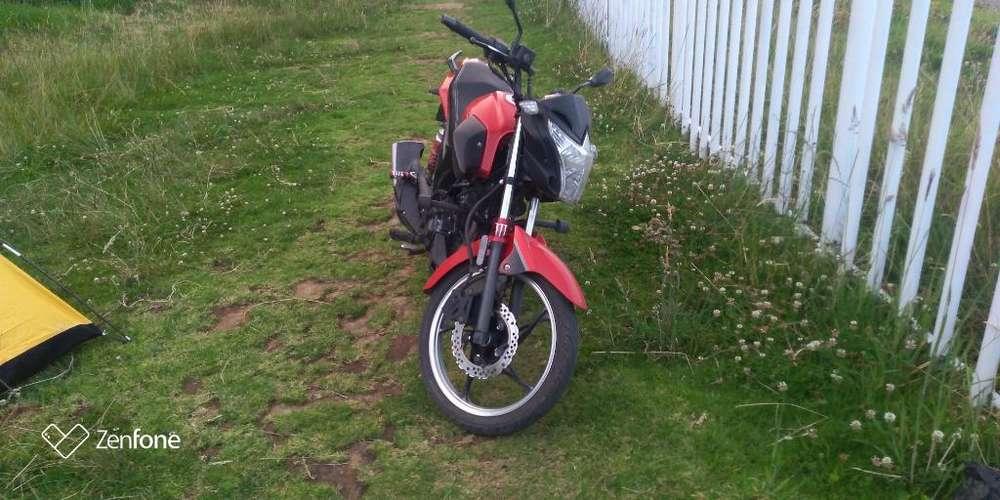 Vendo Moto Evo R 3