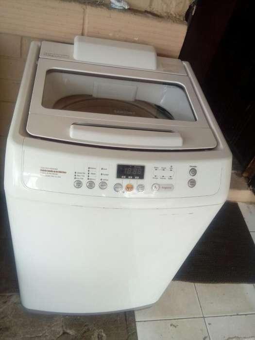 <strong>lavadora</strong> Sansung 33libras Como Nueva entrega adomisilio