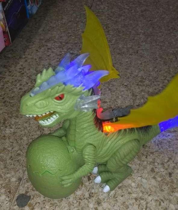 Dinosaurio con cría, luces y sonido