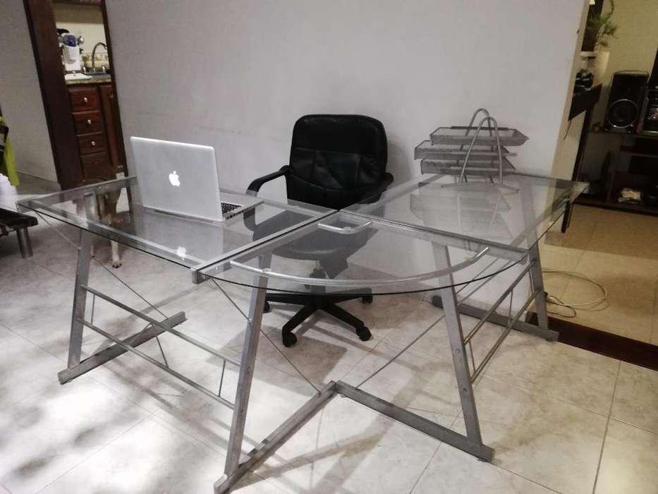 <strong>escritorio</strong> en L en Vidrio