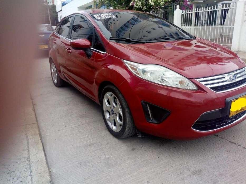 Ford Fiesta  2011 - 90000 km