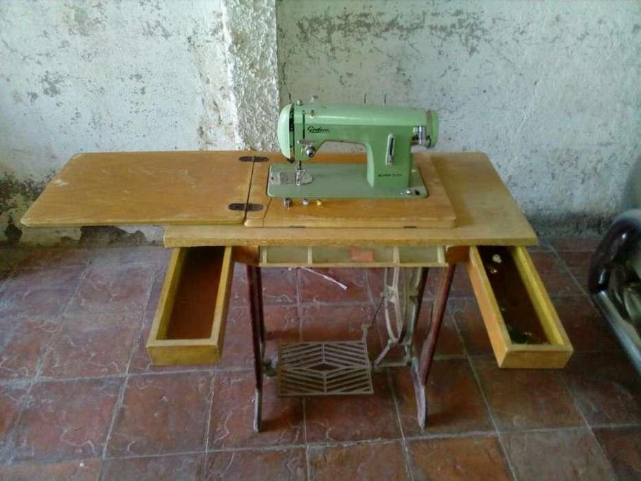Maquina de Coser Godeco Super 3 44