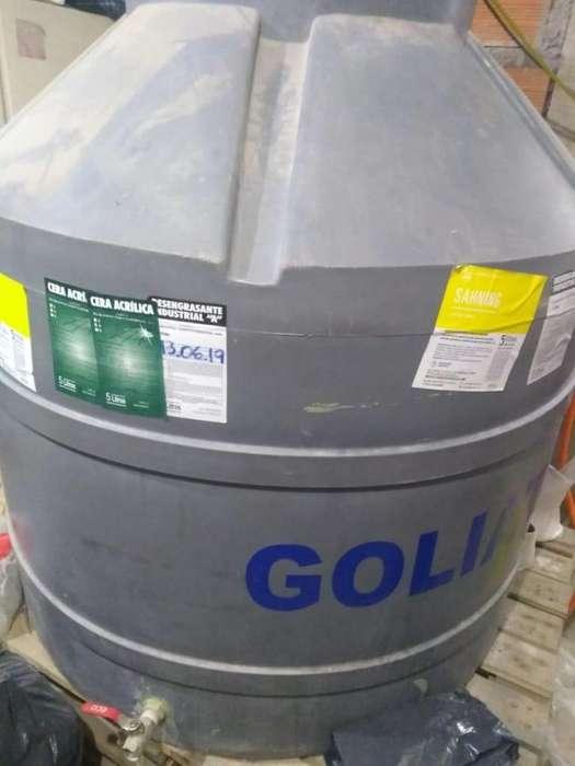 Tanque de agua de 1000Ltrs