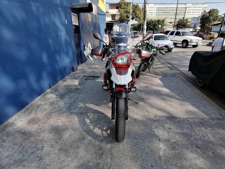 MOTO BMW 650