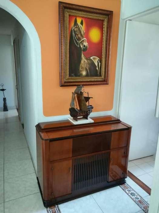 Mueble Vitrola Antigua Mesa Bife Ganga