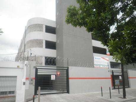 Cochera en venta en Quilmes Residencial
