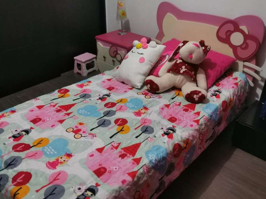 Vendo Cama Sencilla de Hello Kitty.