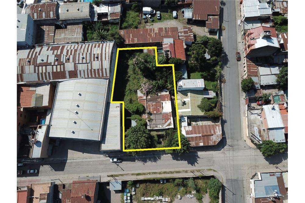 RE/MAX NOA II VENDE <strong>terreno</strong> BALTE.BROWN