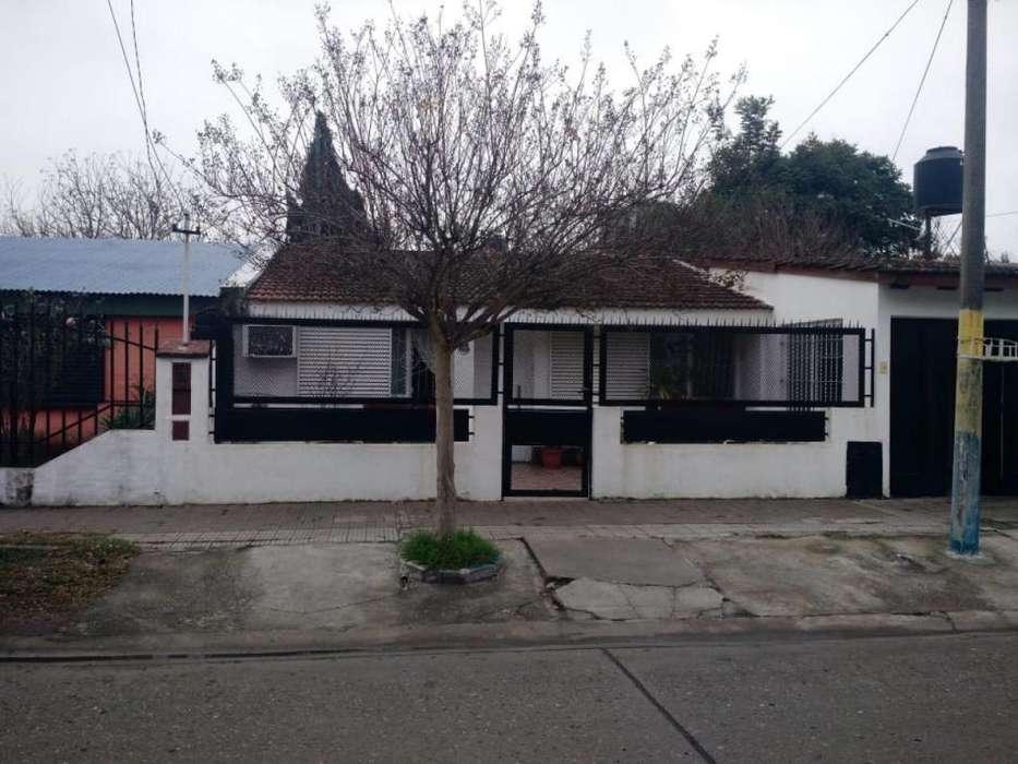 ALQUILER Chalet con Jardìn, Garage y Patio. Mosconi 3762.