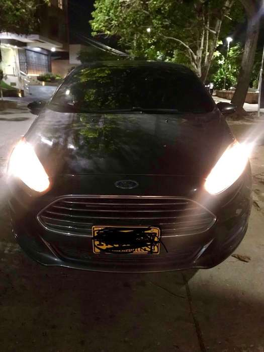 Ford Fiesta  2016 - 49972 km