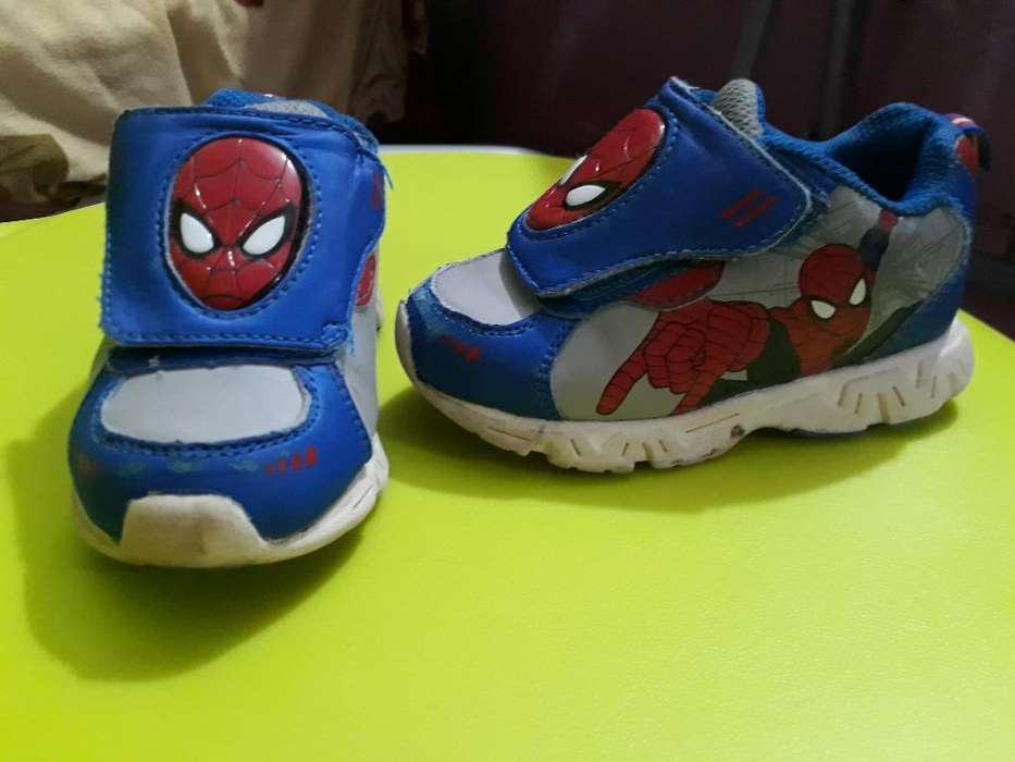 Zapatillas Spiderman con Luces Talla 23