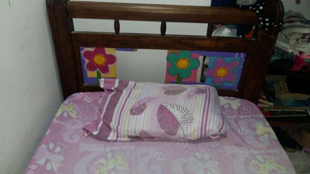 <strong>cama</strong> sencilla jovencita
