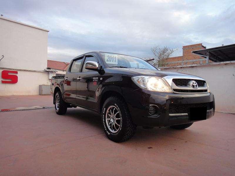 Toyota Hilux 2011 - 21000 km