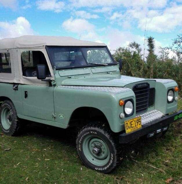 Land Rover Santana 1973 - 220000 km