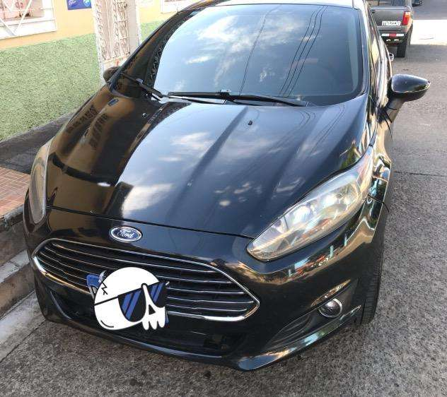Ford <strong>fiesta</strong>  2014 - 90000 km