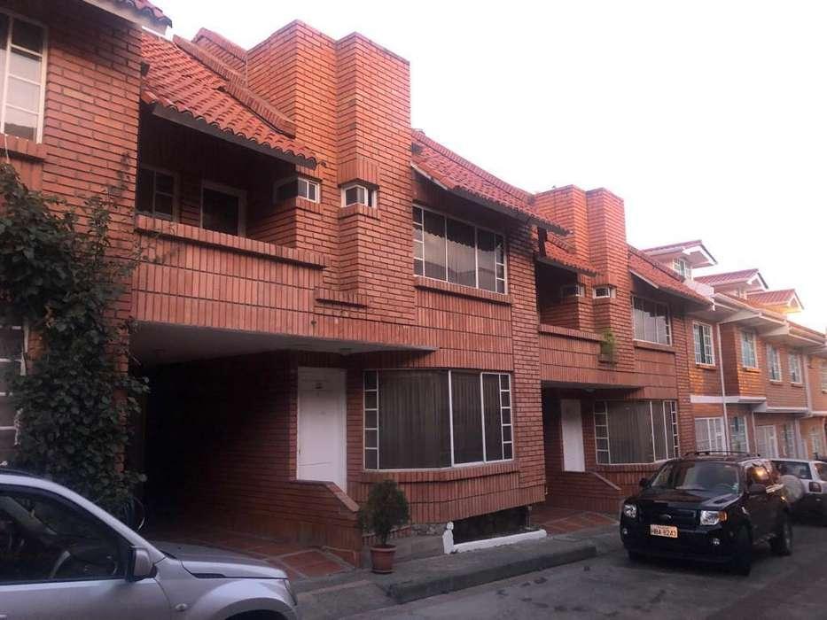 Arriendo Casa Grande, 3 Pisos, Garaje.