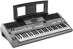 TECLADO ORGANO ELECTRONIC PIANO YAMAHA PSR S670 USB NUEVO.
