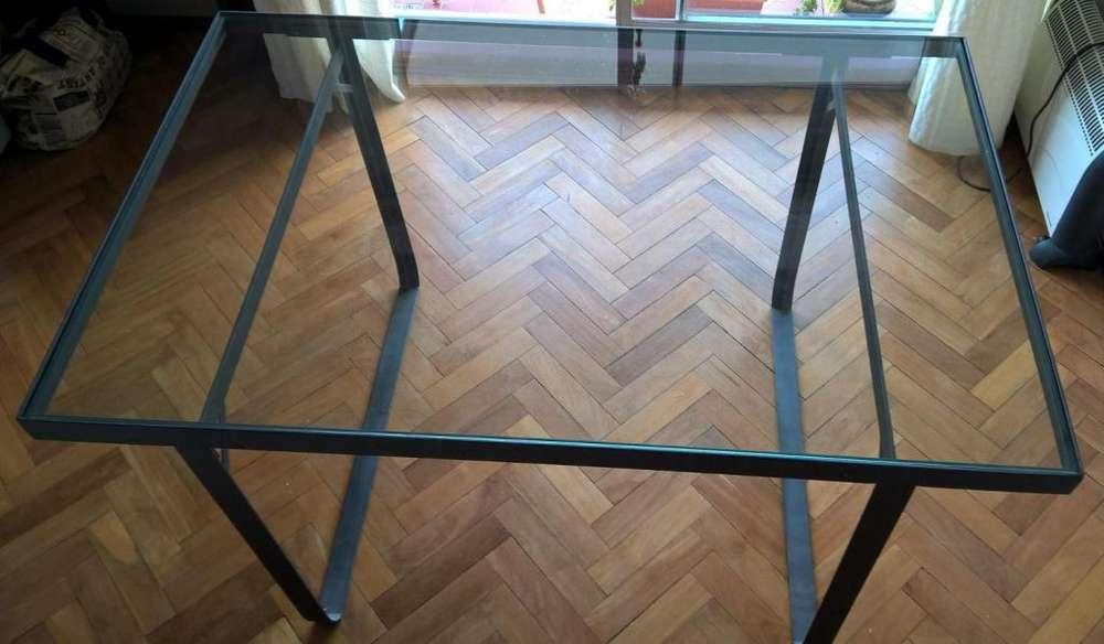 mesa de hierro y vidrio templado desarmable